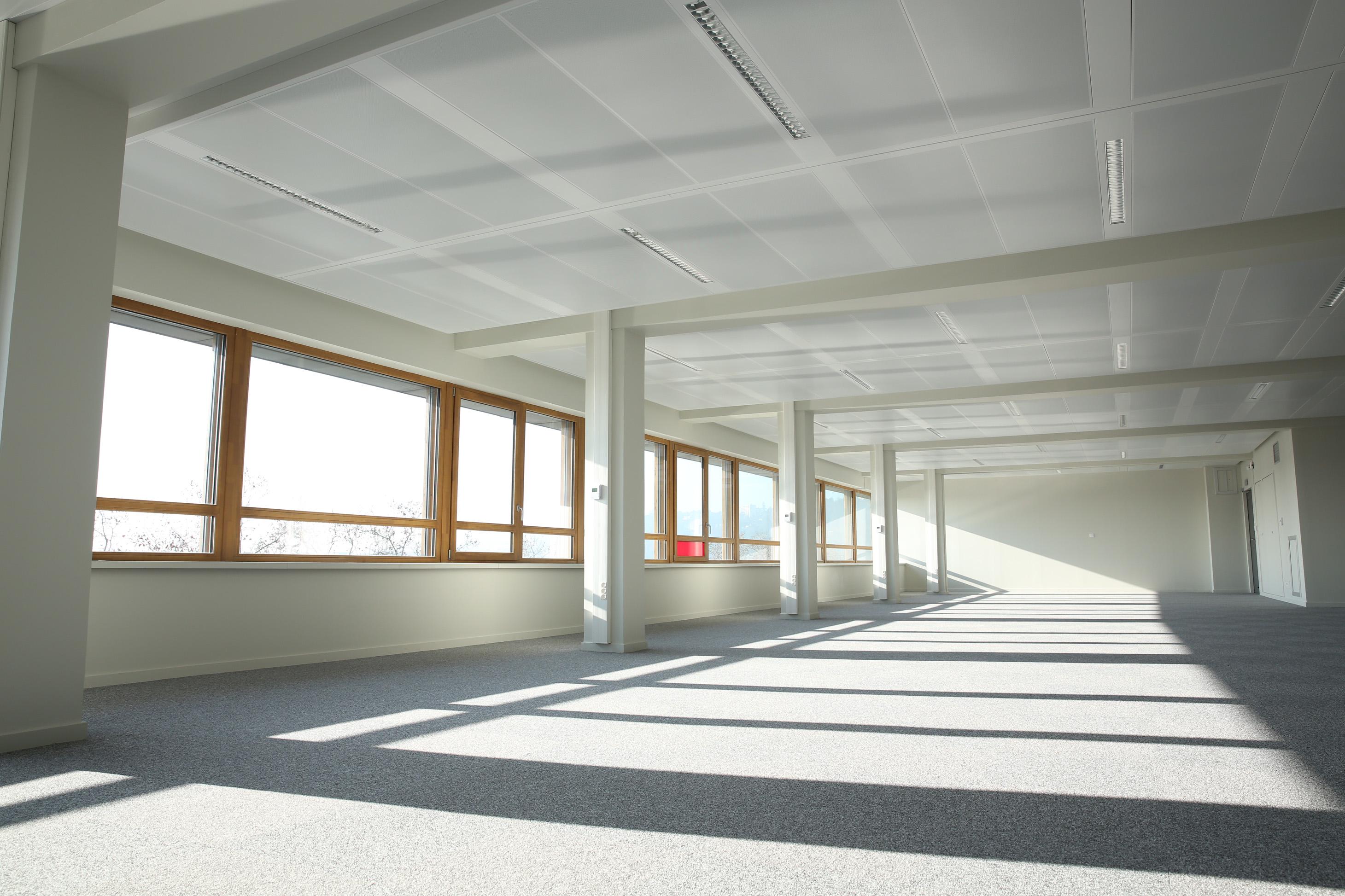 5 000 m2 de plafonds chauffants rafra chissants zehnder for Faux plafond chauffant